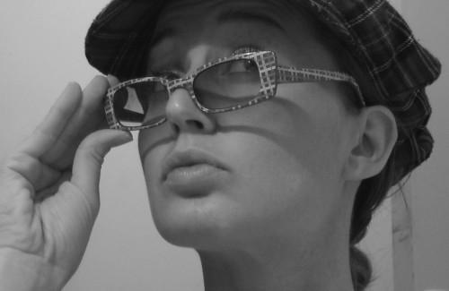 femme à lunettes 2.jpg